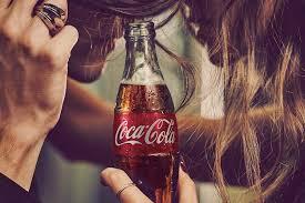 Deze Coca-cola krijg je van ons.